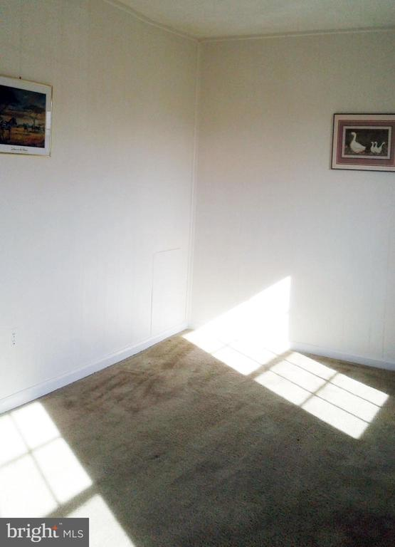 2nd bedroom has two bright large windows - 62 BRISTOL CT, STAFFORD