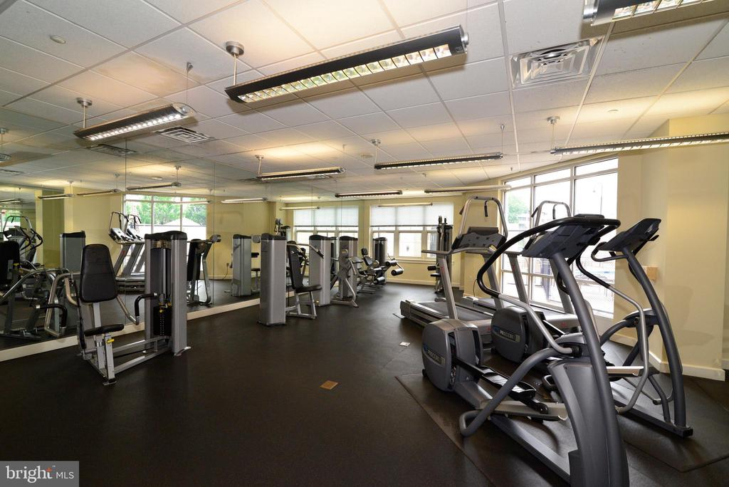 Fitness center - 11760 SUNRISE VALLEY DR #1014, RESTON
