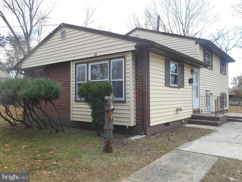 Maison unifamiliale pour l Vente à 26 E HODGES Avenue Lawnside, New Jersey 08045 États-Unis