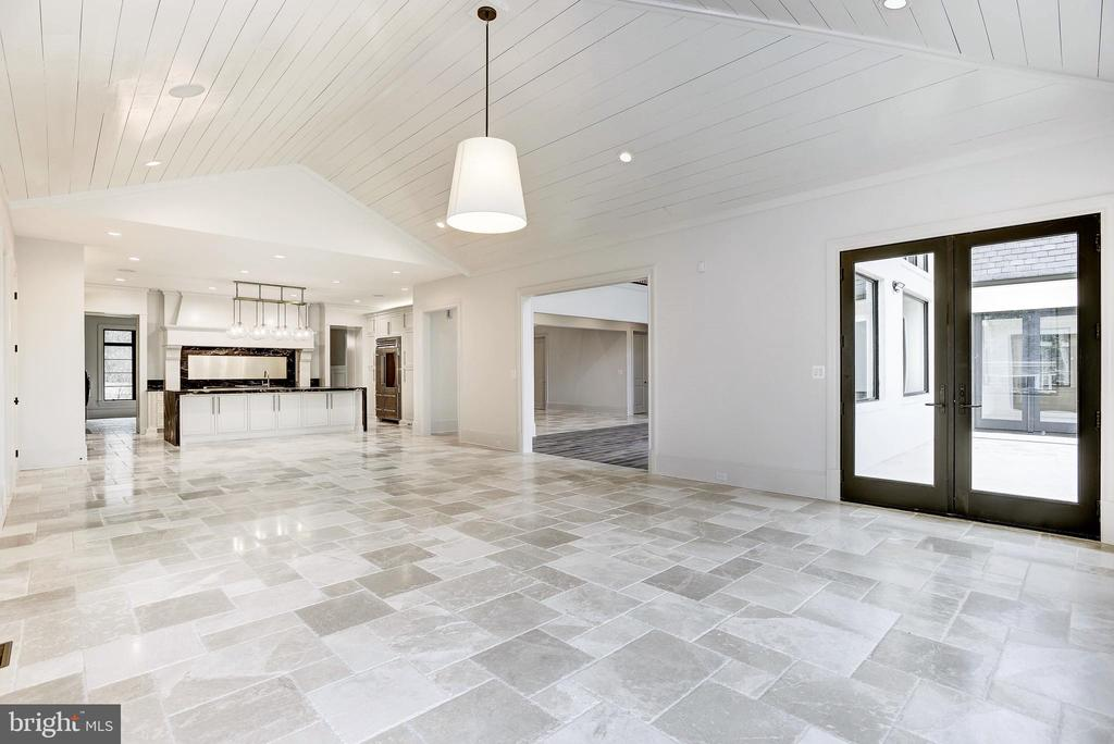 French Travertine Marble flooring - gorgeous - 22501 CREIGHTON FARMS DR, LEESBURG
