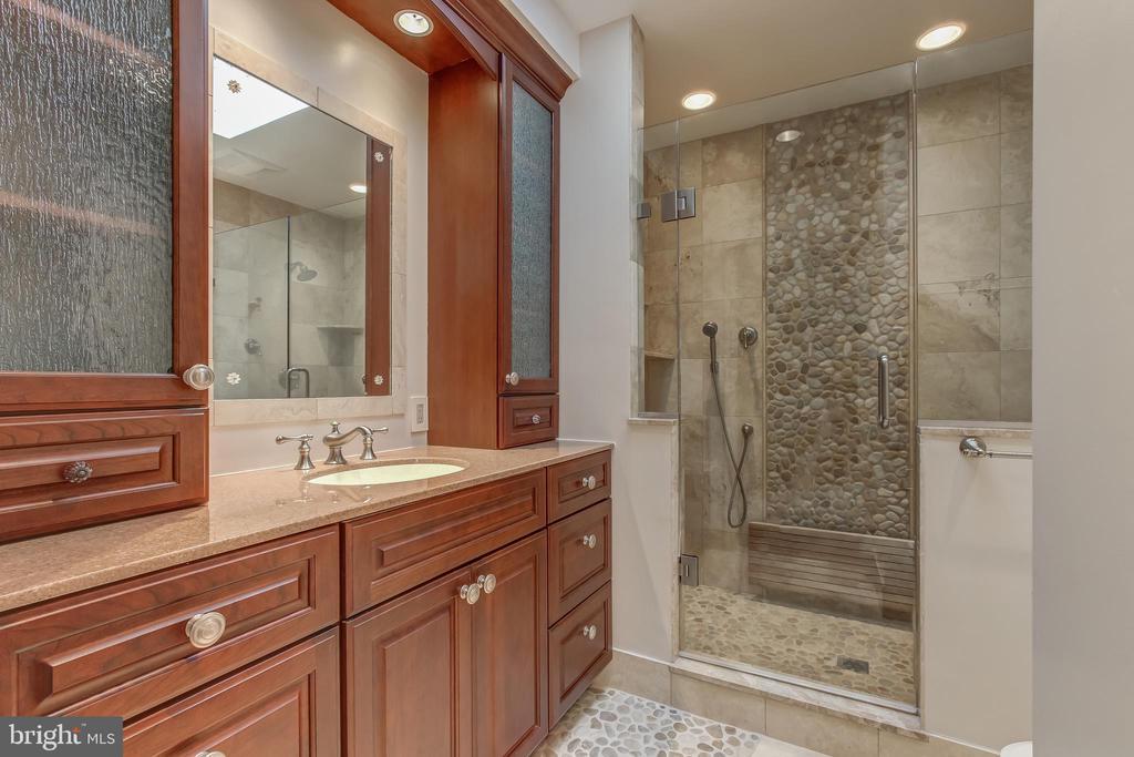Master Bathroom - 6108 NEILWOOD DR, NORTH BETHESDA