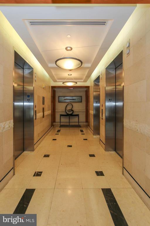 Elevators - 1830 FOUNTAIN DR #1001, RESTON