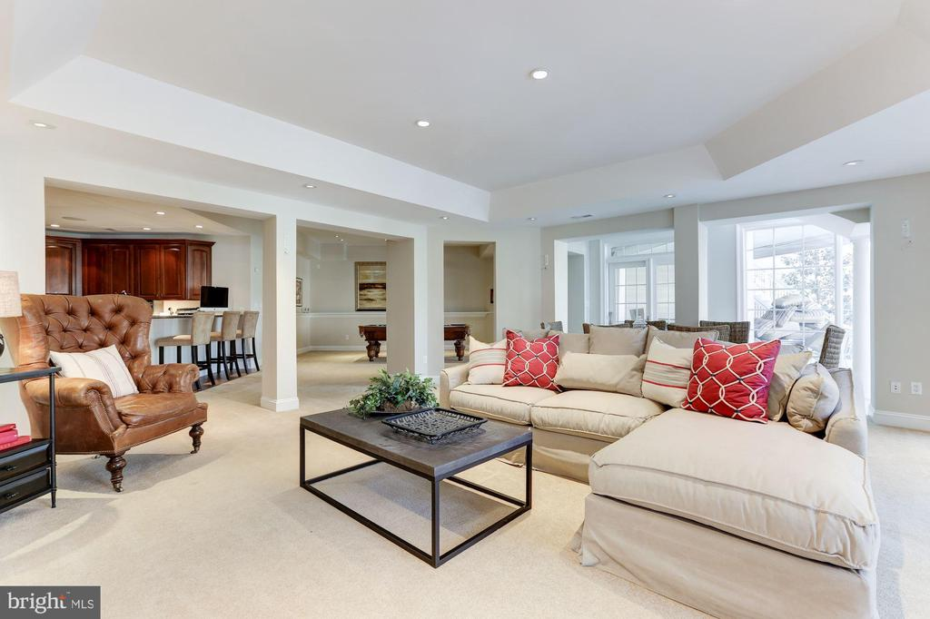 Lower Level Family Room - 7826 SWINKS MILL CT, MCLEAN