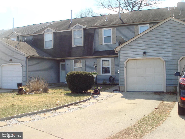 Villa per Vendita alle ore 13 RIVER BANK Drive Roebling, New Jersey 08554 Stati Uniti