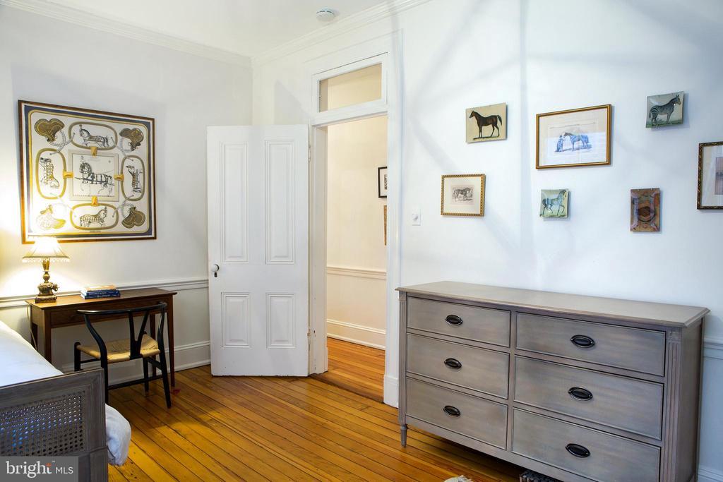 Third Middle Back Bedroom Northwest - 14 4TH ST SE, WASHINGTON