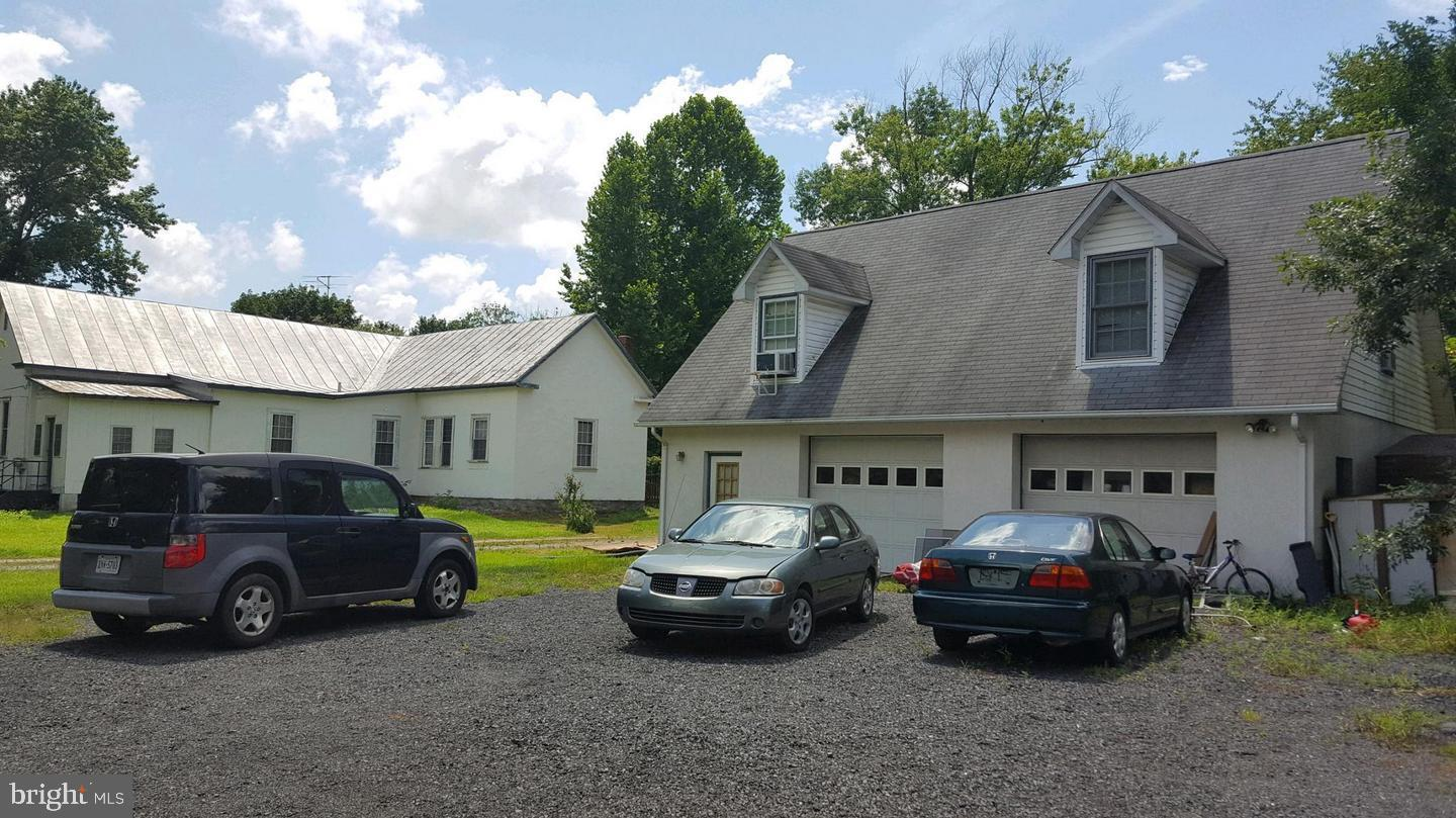 Additional photo for property listing at 23251 Meetinghouse Ln Aldie, Virginia 20105 United States