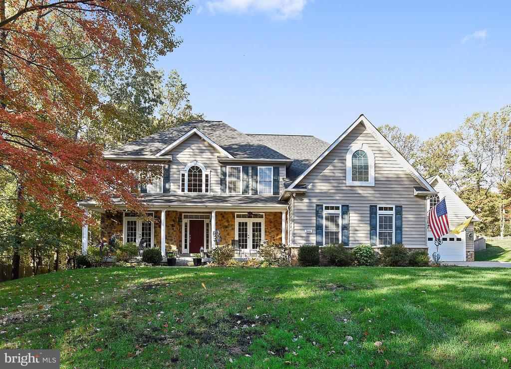 5 Bedrooms up, 5 Full Bath, 2 Garages for 5 Cars - 3446 VALEWOOD DR, OAKTON