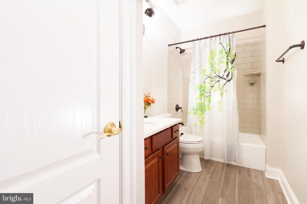 Another view of lower full bathroom - 17160 SPRING CREEK LN, LEESBURG