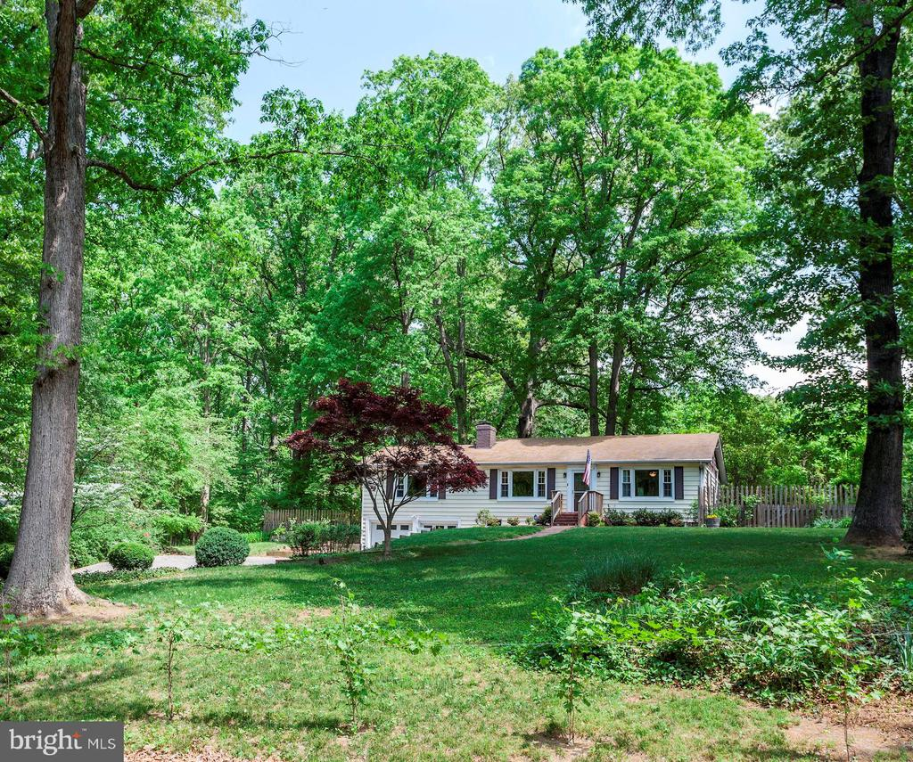 One of Kingstowne 2 Bedroom Homes for Sale at 6068  PINEY RUN DRIVE