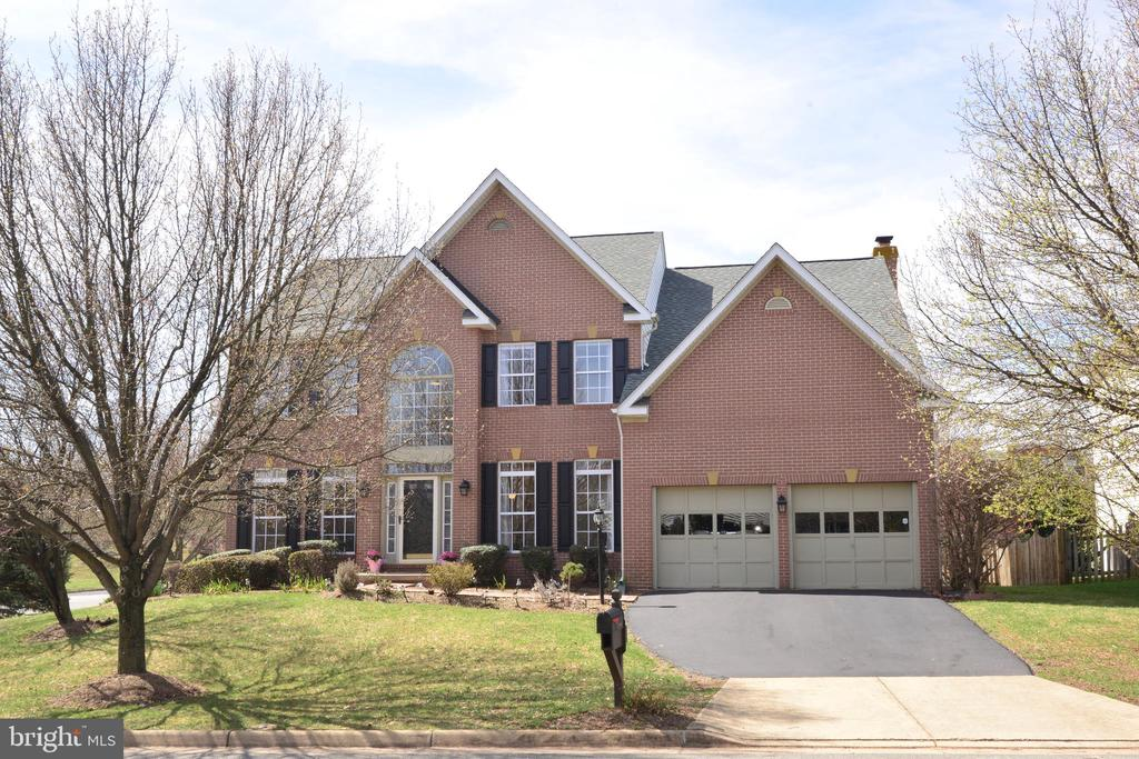 22006  HYDE PARK DRIVE, Ashburn, Virginia