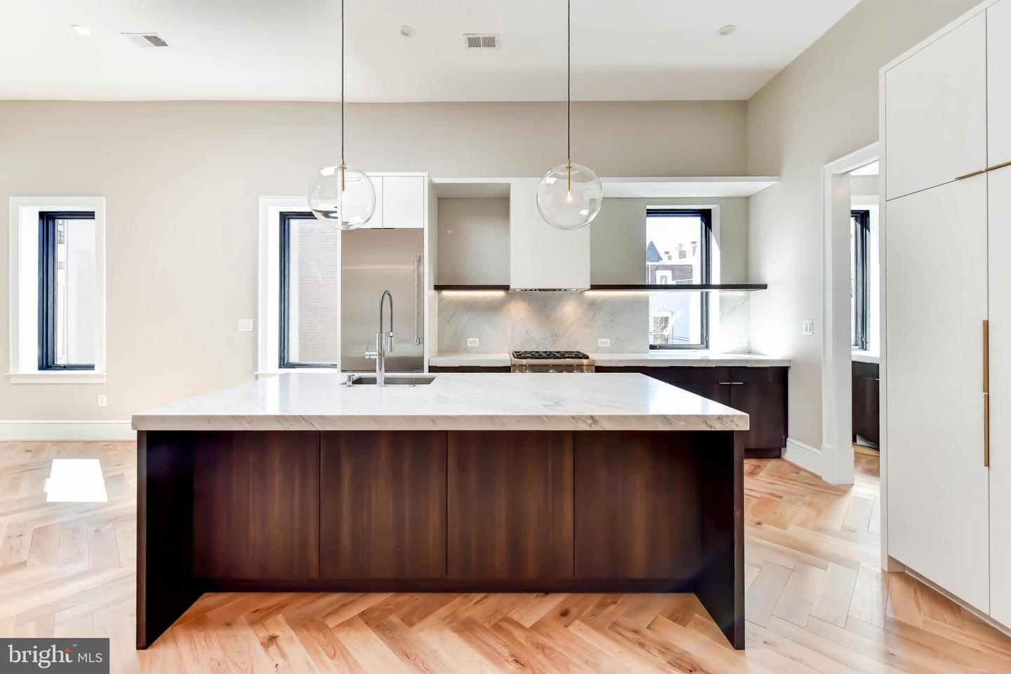 Single Family Home for Sale at 2139 N St NW #4 Washington, District Of Columbia 20037 United States