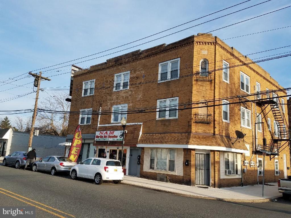 Maison unifamiliale pour l Vente à 4100-4104 MAPLE Avenue Merchantville, New Jersey 08109 États-Unis