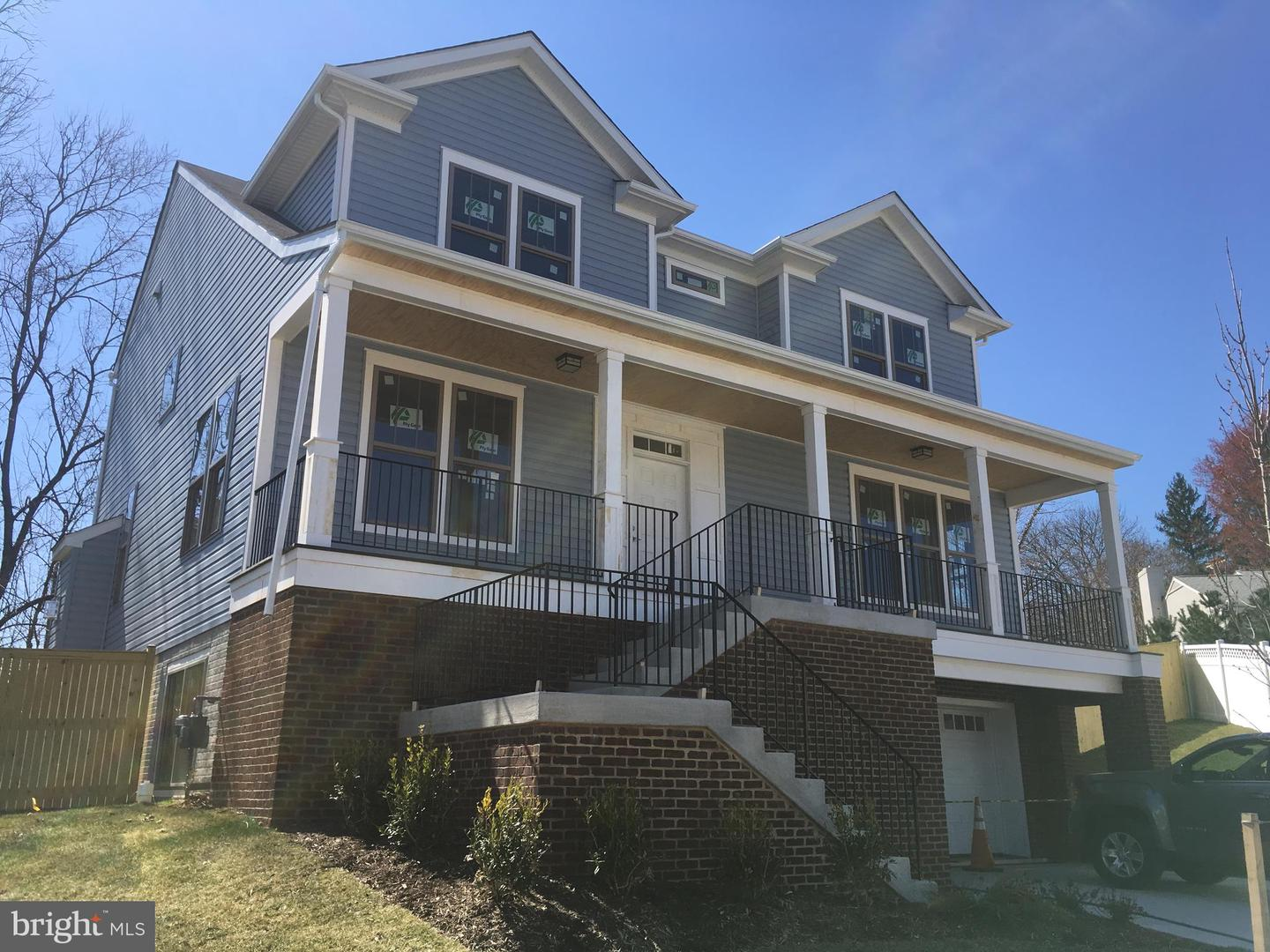 Single Family for Sale at 709 Pastoral Pl SW Leesburg, Virginia 20175 United States