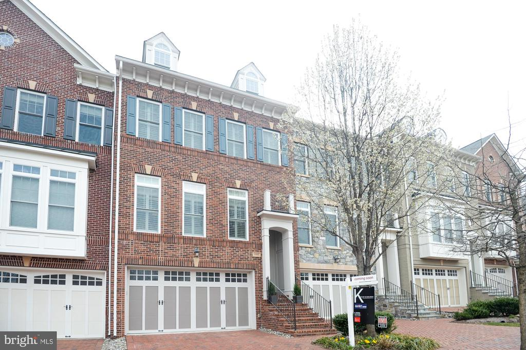 2133  ROYAL LODGE DRIVE, one of homes for sale in Falls Church