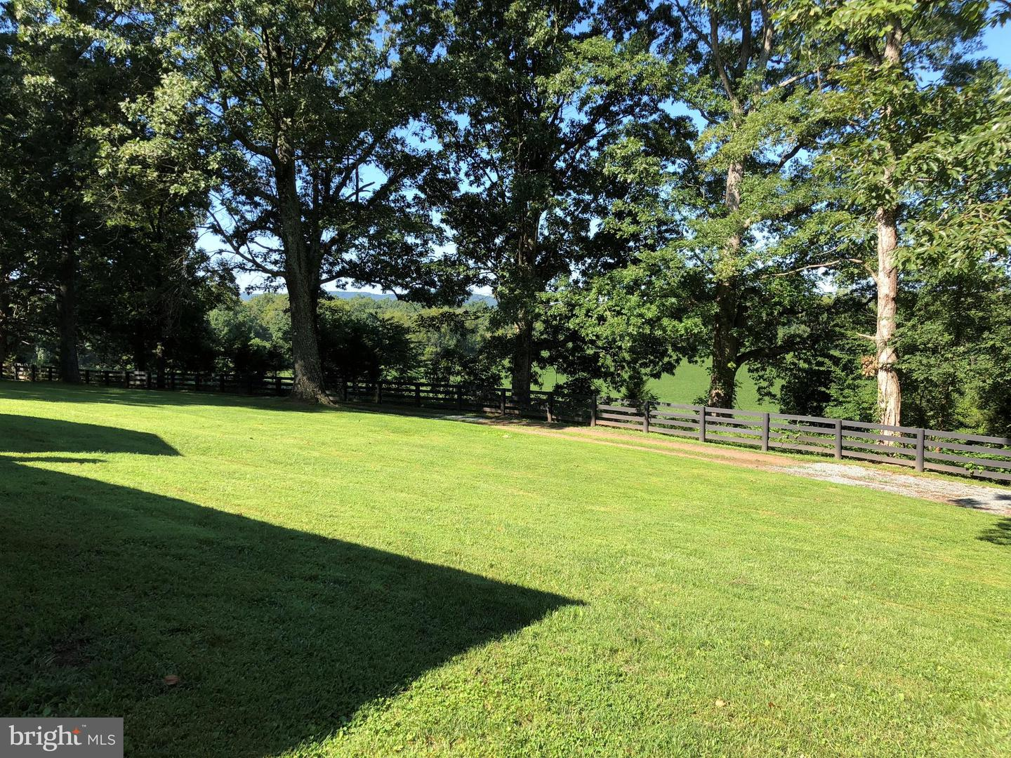 Additional photo for property listing at 40443 John Mosby Hwy Aldie, Virginia 20105 United States