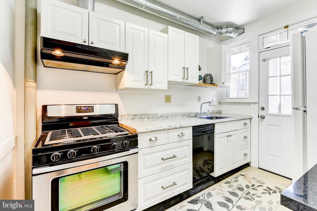 Unit #1: Kitchen - 4348 ELLICOTT ST NW, WASHINGTON