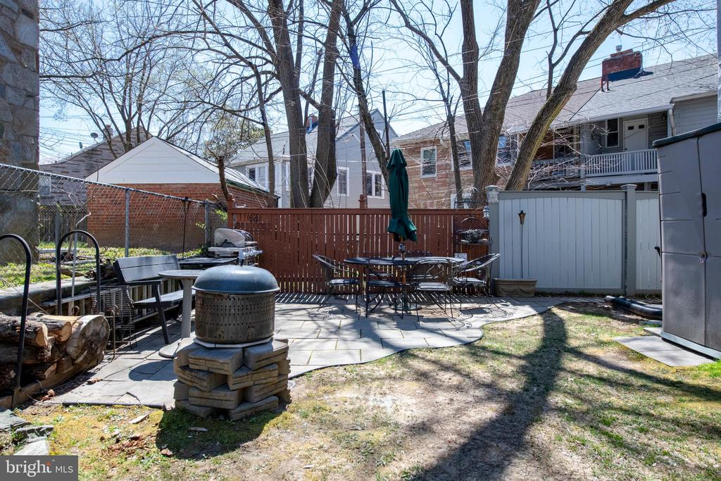 Side  Yard could potentially allow for parking pad - 4348 ELLICOTT ST NW, WASHINGTON