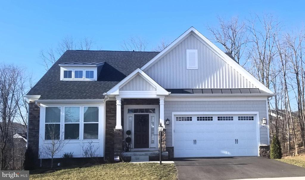 Built in 2016 - so many upgrades! - 12472 SOUTHINGTON DR, WOODBRIDGE