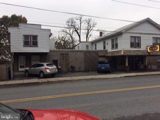 Retail for Sale at Ephrata, Pennsylvania 17522 United States