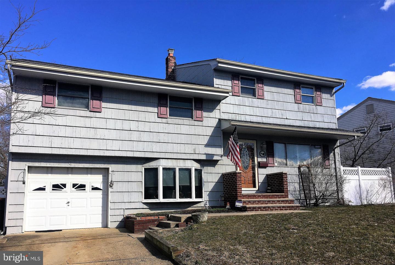 Maison unifamiliale pour l Vente à 6 PARK Circle South Amboy, New Jersey 08879 États-Unis
