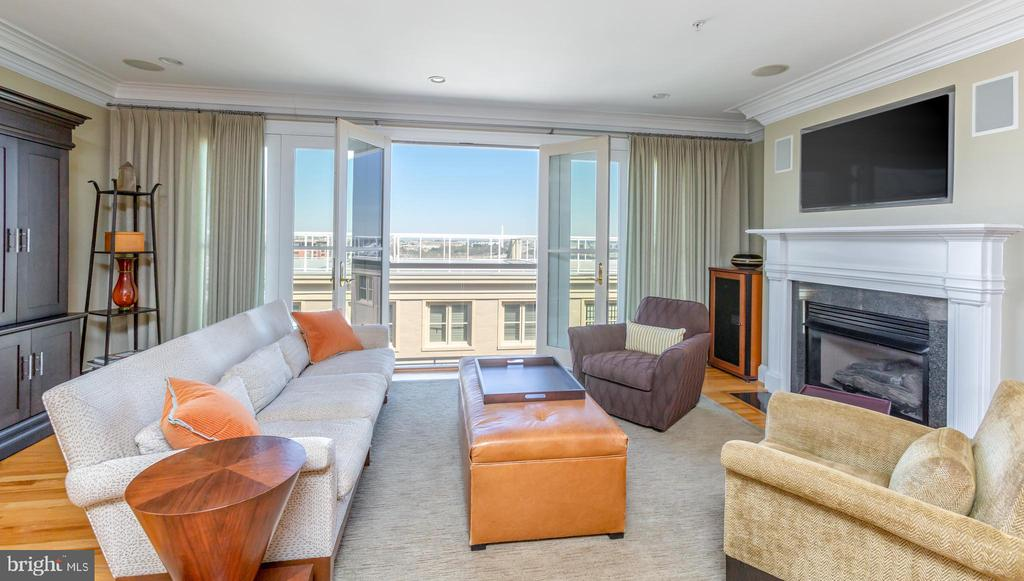 Enjoy the spectacular view of Washington D.C. - 1419 N NASH ST, ARLINGTON