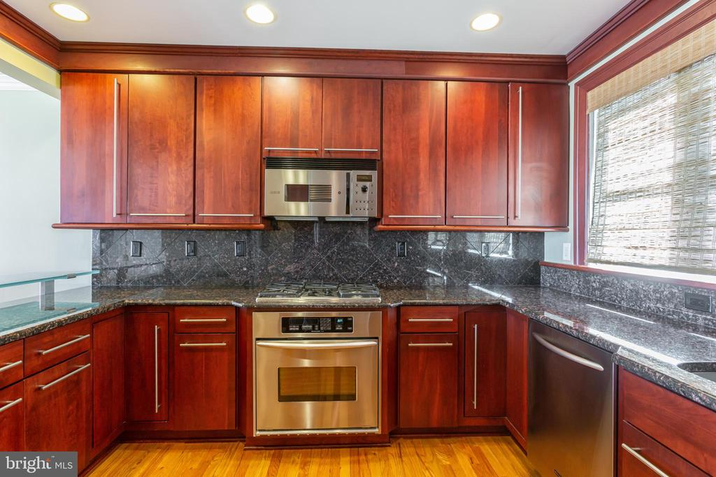 Kitchen - 1419 N NASH ST, ARLINGTON