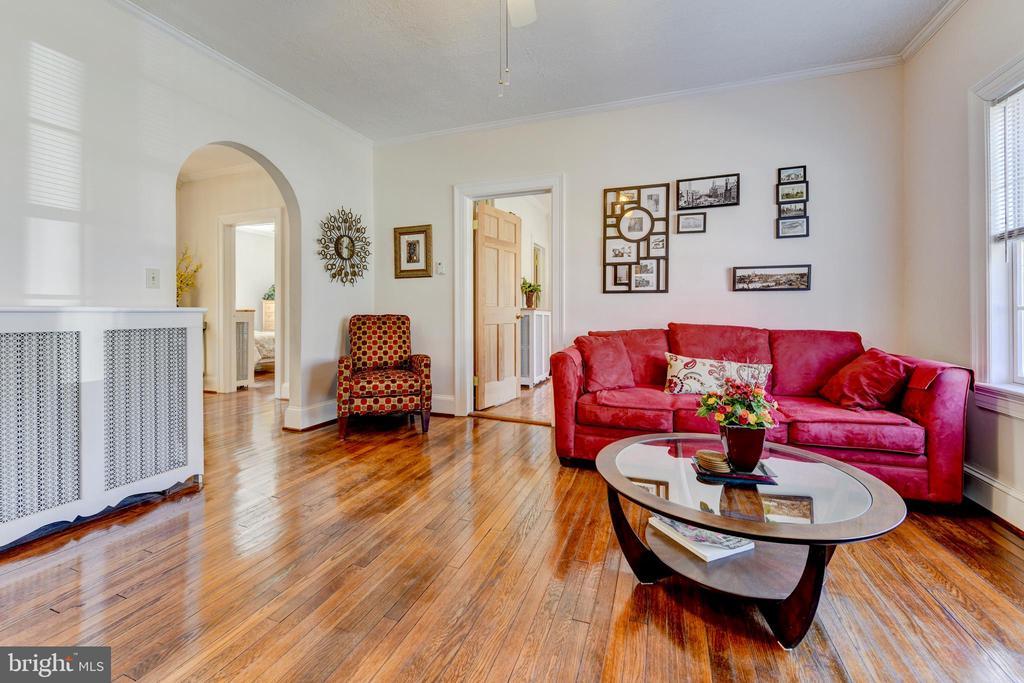Unit #1: living room - 4348 ELLICOTT ST NW, WASHINGTON