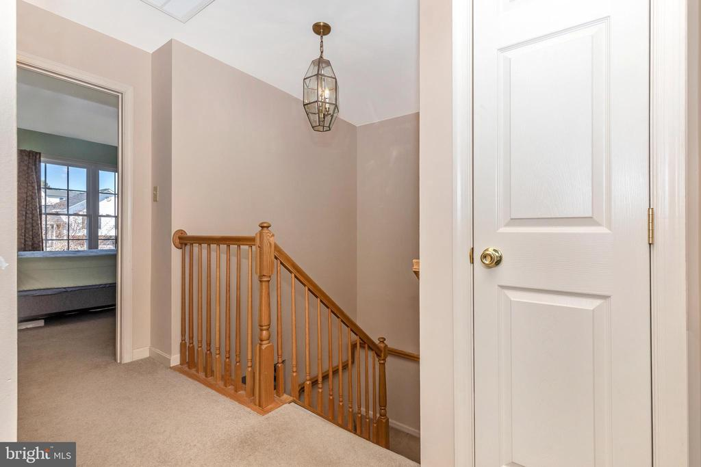 Upper level hallway - 115 BOSC CT, THURMONT