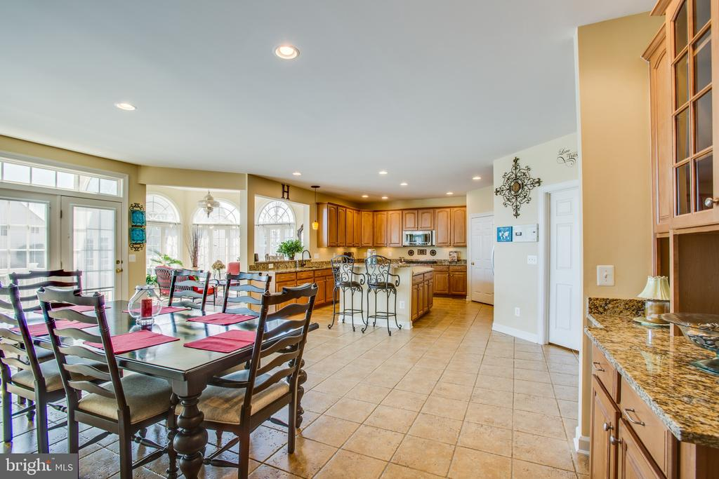 Ceramic tile floor leads you into the kitchen - 5916 DEEP CREEK DR, FREDERICKSBURG
