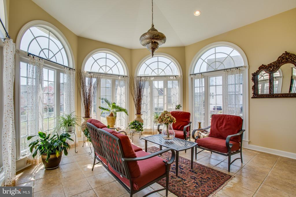The perfect room to enjoy your afternoon - 5916 DEEP CREEK DR, FREDERICKSBURG