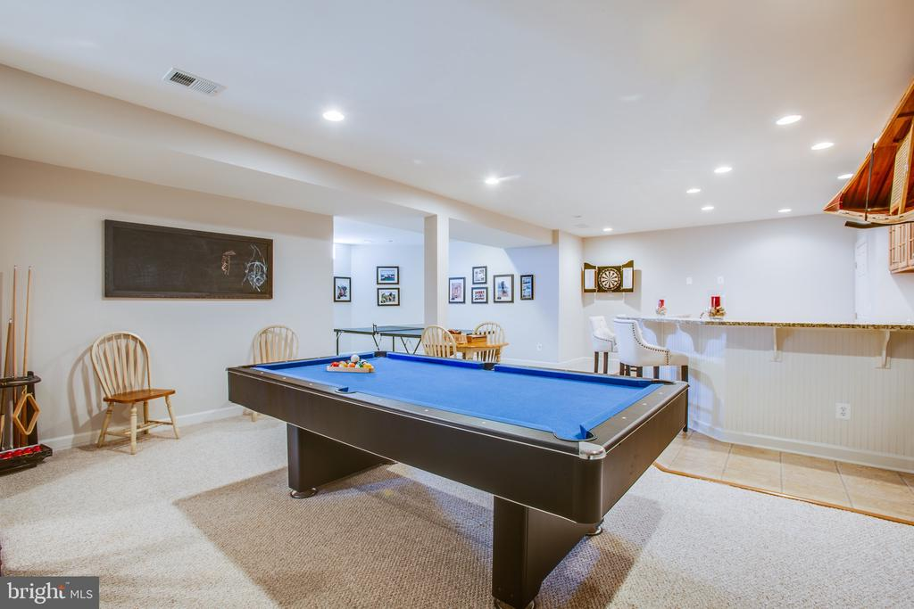 Lower level game room w/ large wet bar - 5916 DEEP CREEK DR, FREDERICKSBURG