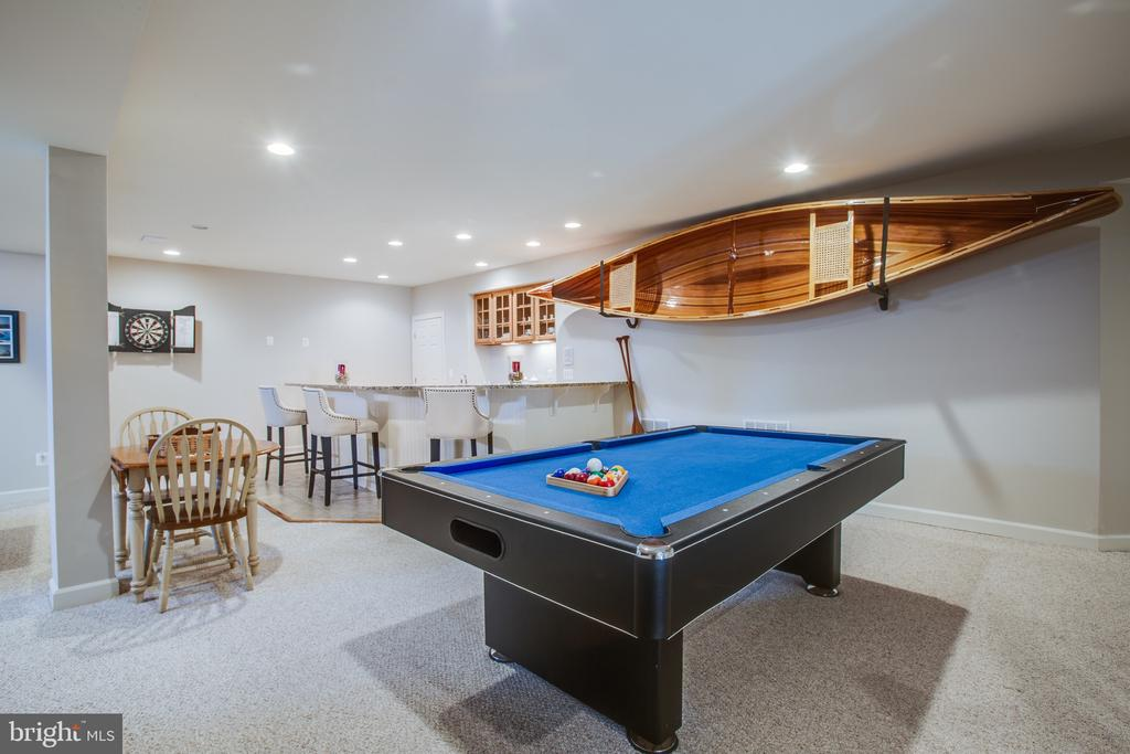 No shortage of space to entertain! - 5916 DEEP CREEK DR, FREDERICKSBURG