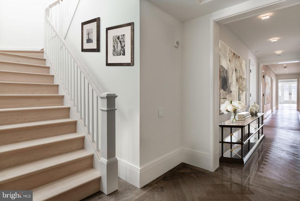 Gracious Foyer leads to Private Rooftop Terrace - 2660 CONNECTICUT AVE NW #PH 3, WASHINGTON