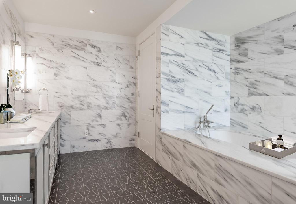 Lavish Master Bathroom - 2660 CONNECTICUT AVE NW #PH 3, WASHINGTON