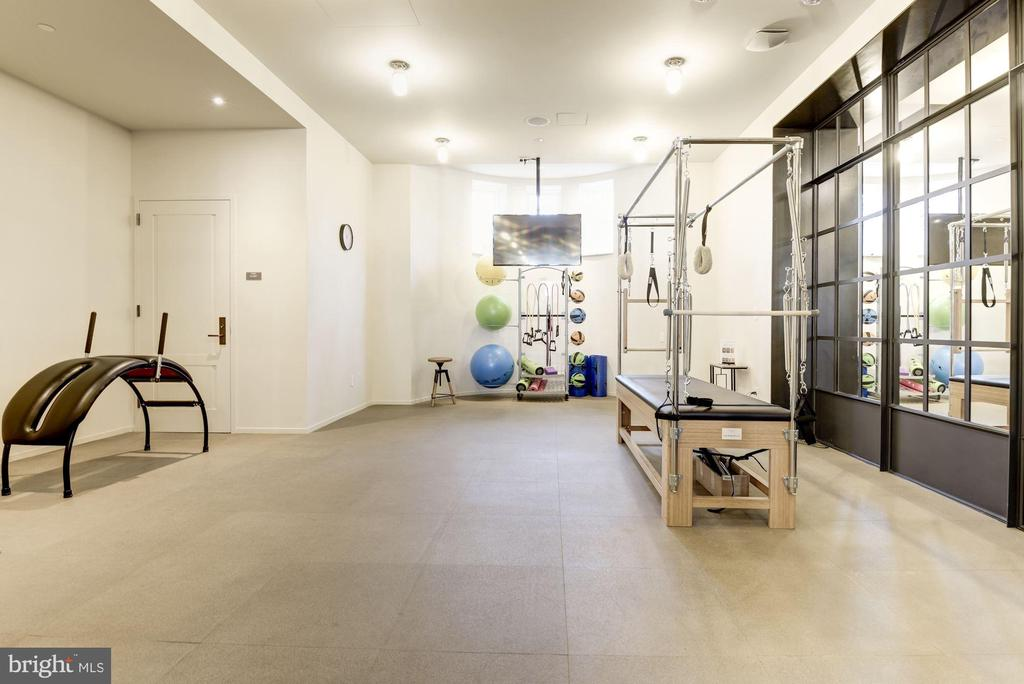 Private Pilates and Yoga Studio for Owners - 2660 CONNECTICUT AVE NW #PH 3, WASHINGTON