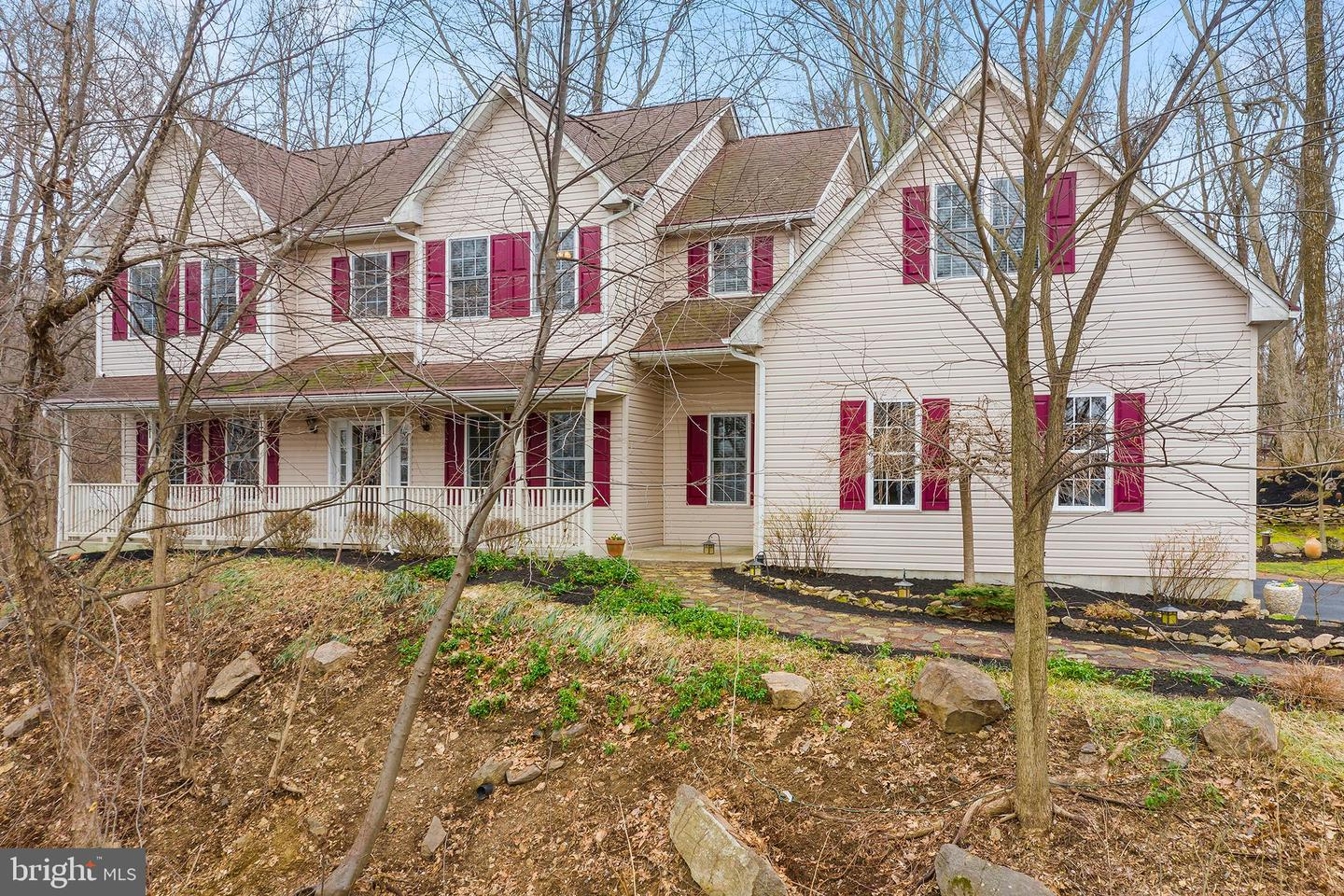 Photo of home for sale at 2562 Lafayette Court, Gilbertsville PA