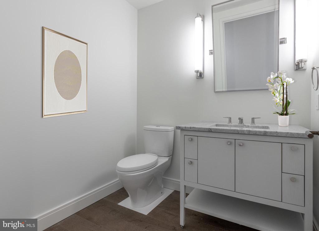 Powder Room - 2660 CONNECTICUT AVE NW #7B, WASHINGTON