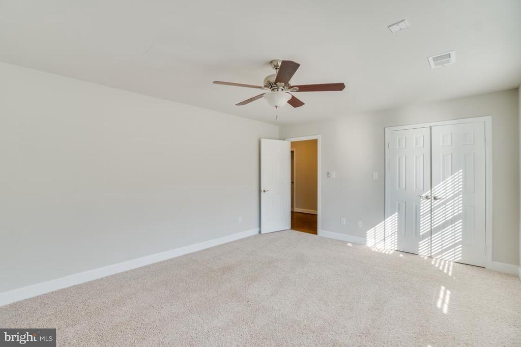 Bedroom 2- Carpeted - 336 WINDERMERE DR, STAFFORD