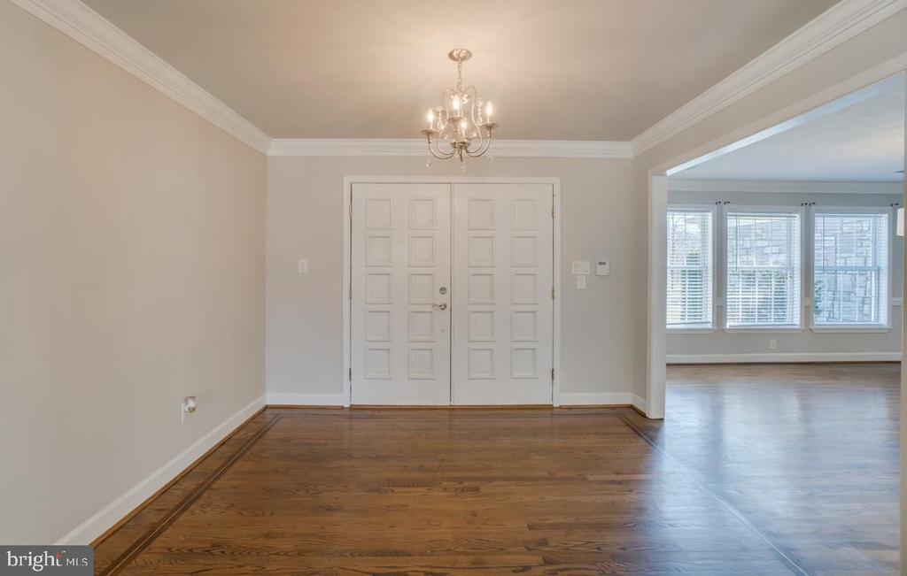 Hardwood Flooring in Entry/Foyer - 336 WINDERMERE DR, STAFFORD