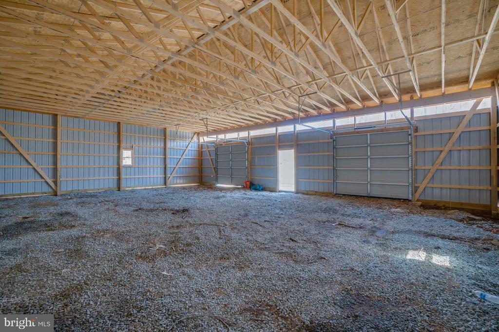 Inside Workshop-Equestrian Friendly Community - 336 WINDERMERE DR, STAFFORD