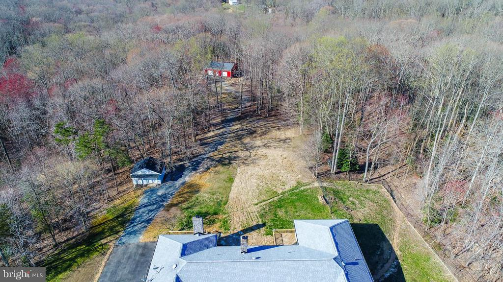 Proximity of Additional Structures from House - 336 WINDERMERE DR, STAFFORD