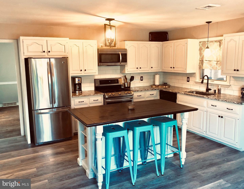 Maison unifamiliale pour l Vente à 325 E 2ND Street Florence, New Jersey 08518 États-Unis
