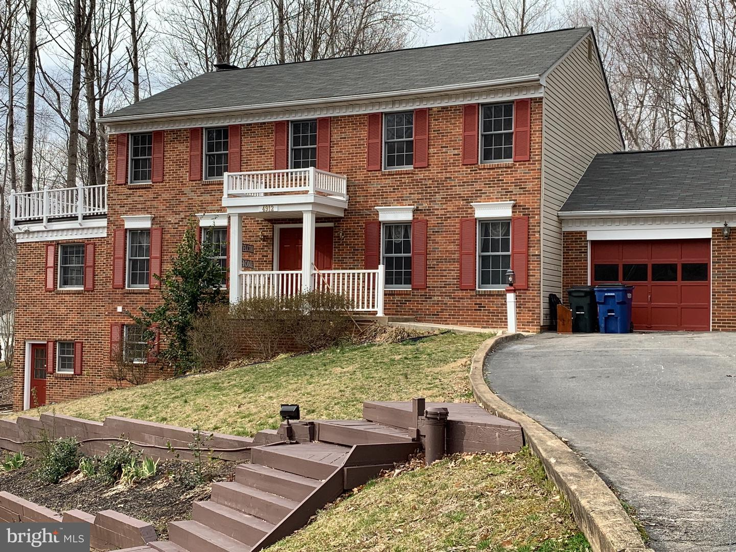 Single Family for Sale at 4912 Lanyard Ln Woodbridge, Virginia 22192 United States