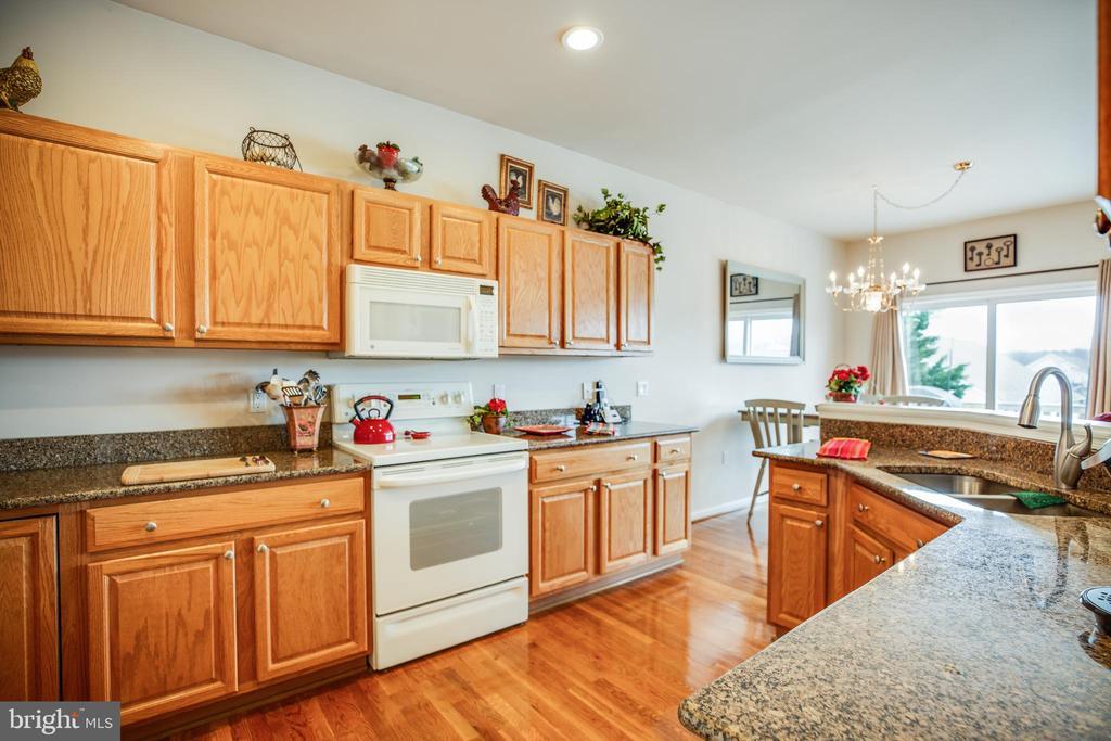 Kitchen - 25 BUCHANAN CT, FREDERICKSBURG