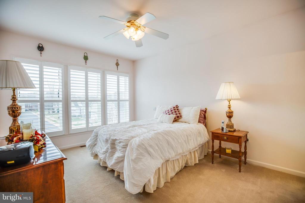 Master Bedroom, Plantation Shutters - 25 BUCHANAN CT, FREDERICKSBURG