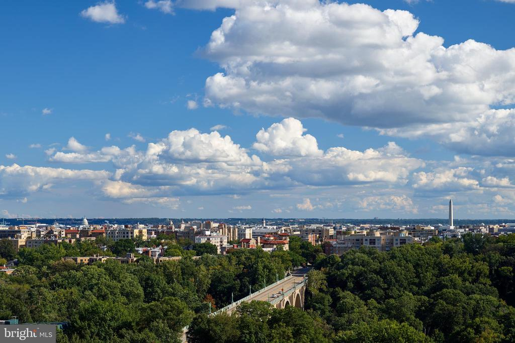 Rooftop Terrace with Panoramic City Views - 2660 CONNECTICUT AVE NW #4C, WASHINGTON