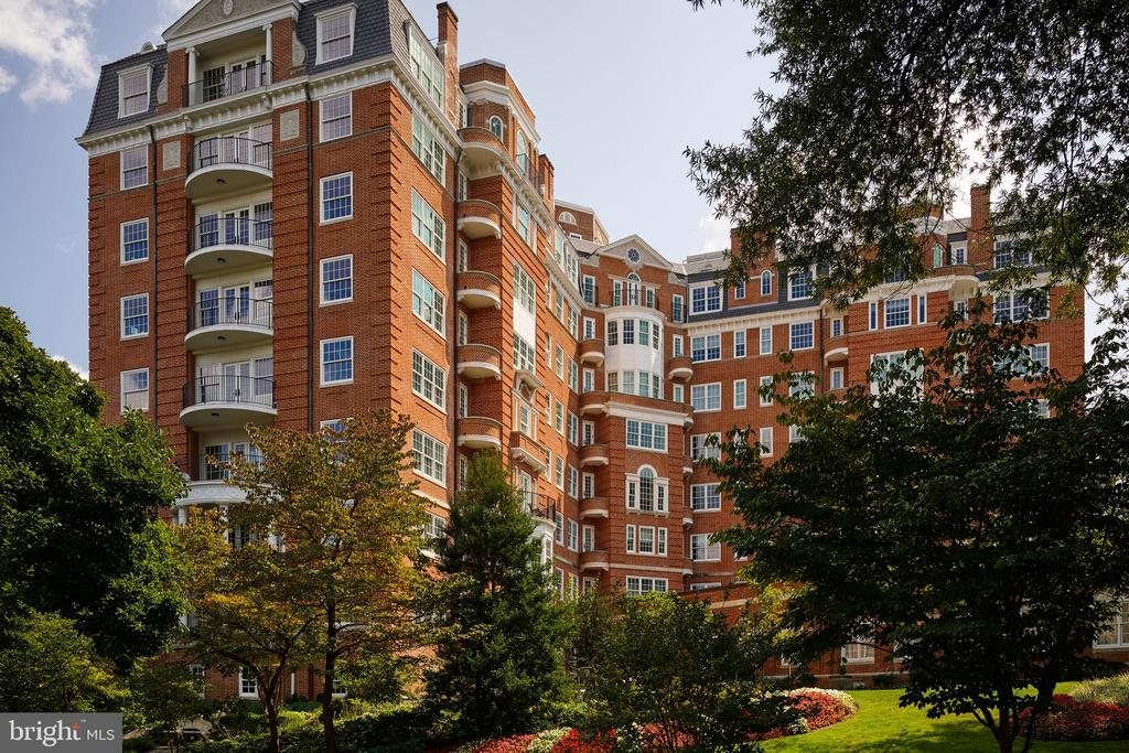 The Pinnacle of Luxury Living in DC - 2660 CONNECTICUT AVE NW #4C, WASHINGTON