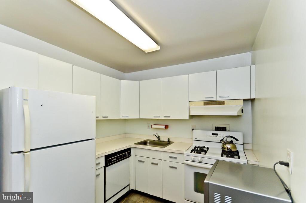 Kitchen - 2939 VAN NESS ST NW #807, WASHINGTON