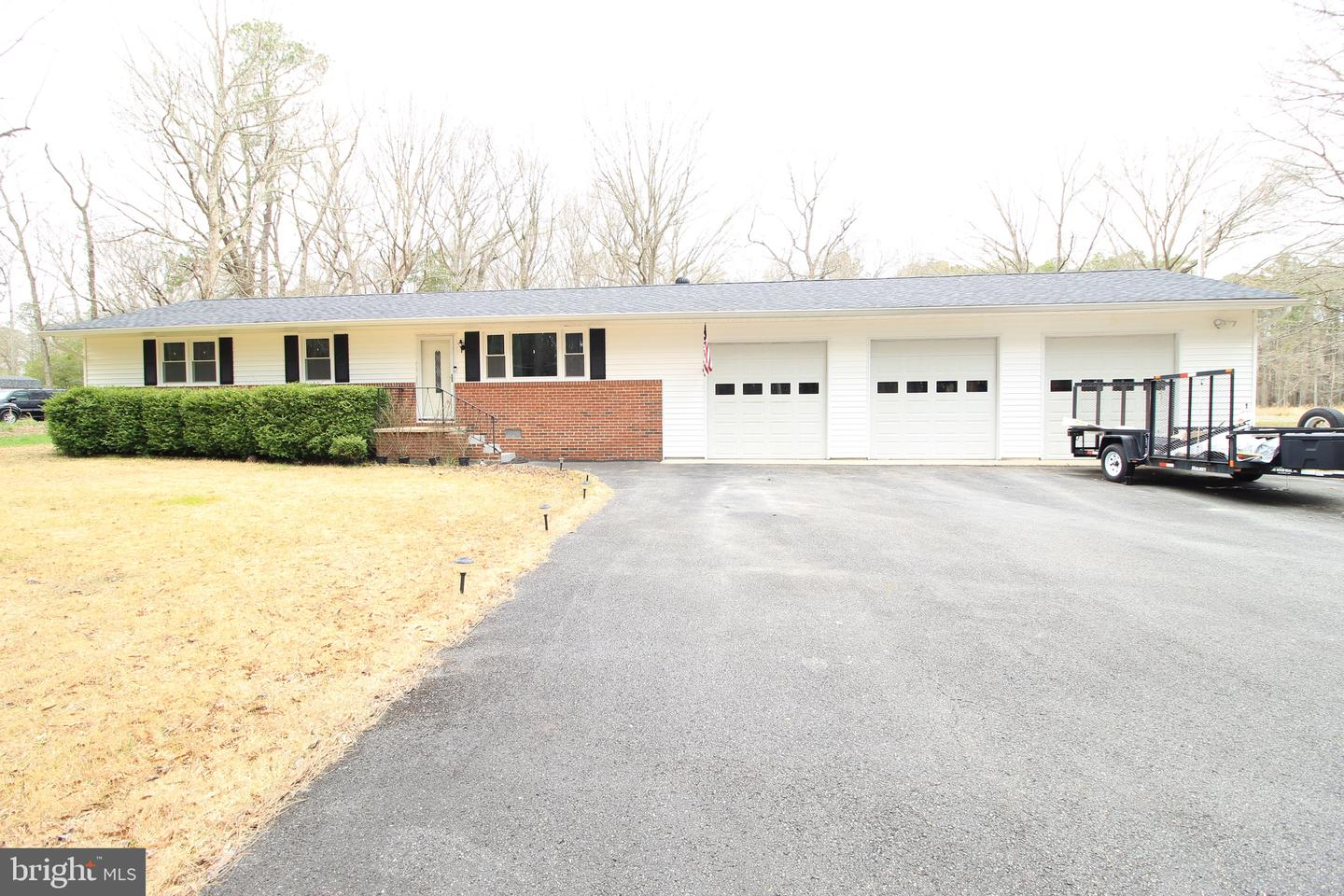Photo of home for sale at 15625 Woodland Point Road, Newburg MD