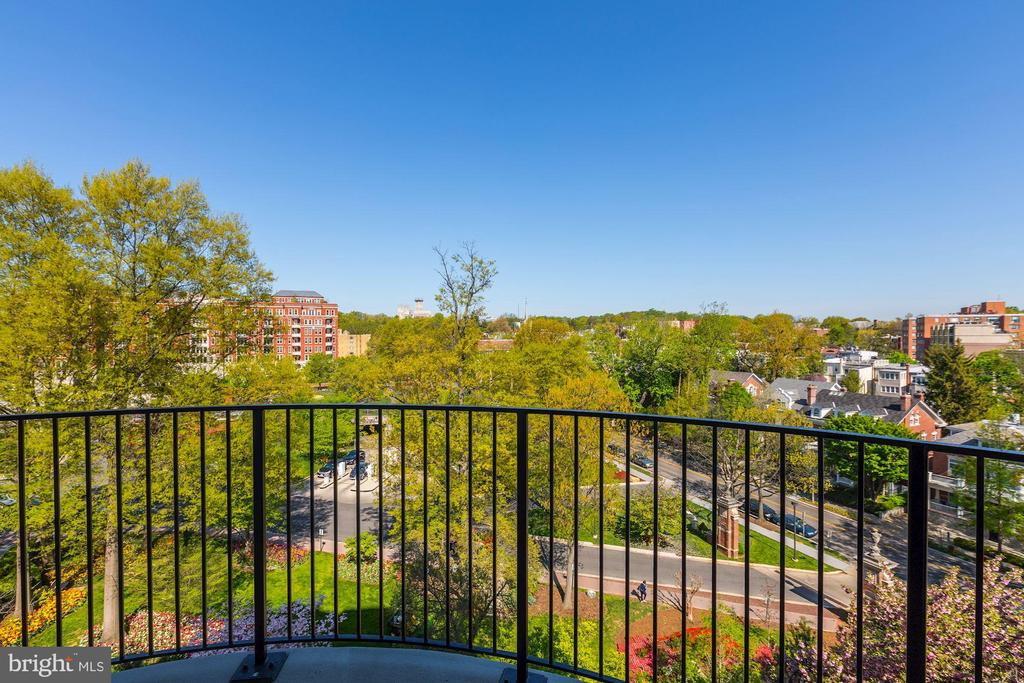 Terrace with Garden Views - 2660 CONNECTICUT AVE NW #4C, WASHINGTON